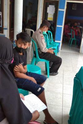 Pelaksanaan Vaksinasi Jenis Sinovac di Desa Jeru Berlangsung Lancar