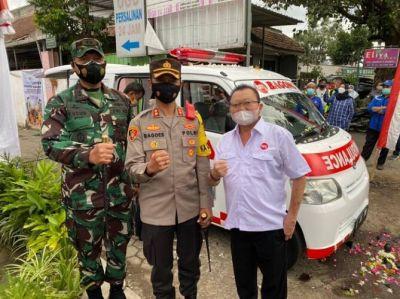 PO Bagong Serahkan Mobil Ambulance untuk Pemkab Malang